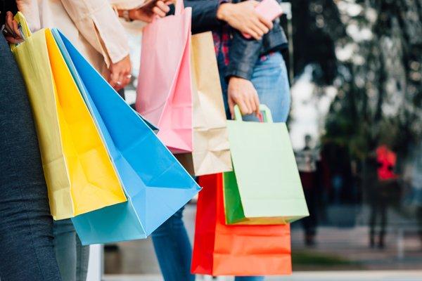 Retail-FurnRetailer-AustraliaiStock-493862590-600x
